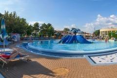 Detský bazén so šmykľavkou
